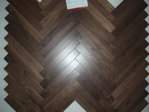 18mm solid American Walnut herringbone parquet