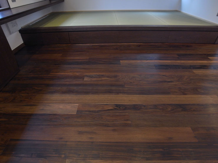 Solid Wood Balck Walnut Flooring 18mm Ab Grade Black