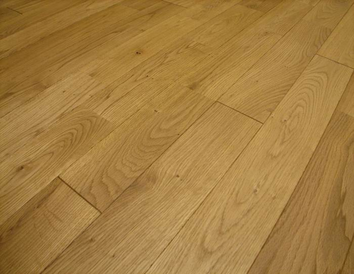 natural oak hardwood flooring