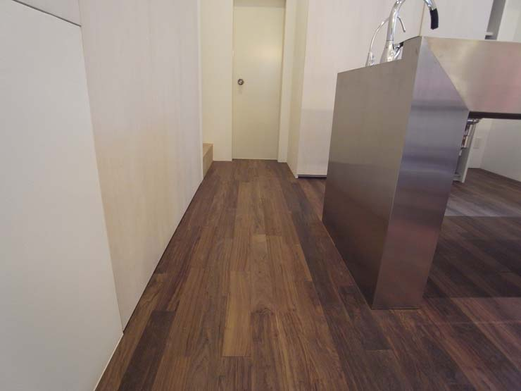 solid American walnut flooring-Overview